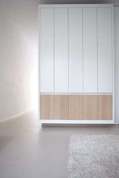 Interior of Home 05 by Dutch interior architects cabinetry white and wood details Cabinet Furniture, Home Furniture, Furniture Design, Interior Architecture, Interior And Exterior, Kitchen Interior, Interior Minimalista, Wardrobe Cabinets, Wardrobe Design