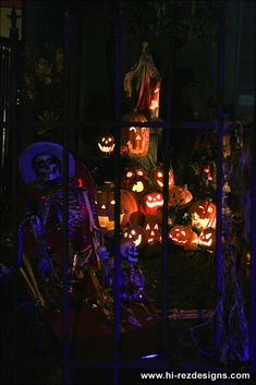From Halloween Forum - 2010 home haunt photos - cemetery and pirates