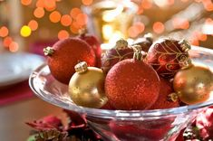 Christmas table centerpiece ideas – add accents to the festive decor