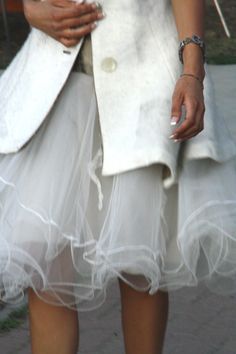 Autumn wedding gown - detail #bridal #wedding https://www.facebook.com/pages/Etranger-styling/126210714102792
