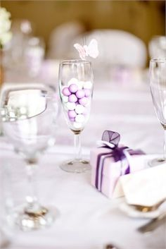 Ideal for weddings with a pretty lilac theme.