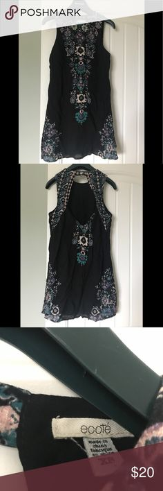 Urban Outfitters Ecote dress, size XS UO Ecoté dress, size XS, barely worn! Open back with two button closure on top. Super cute for the summer and fall Urban Outfitters Dresses Mini