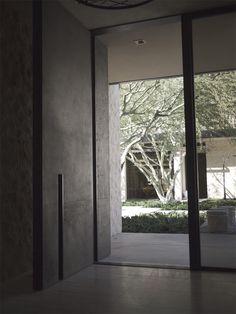 Reserve Entry Door Contemporary Front Doors, Modern Entrance, Modern Front Door, Front Door Entrance, Entry Gates, Entry Doors, Entryway, Big Doors, Pivot Doors