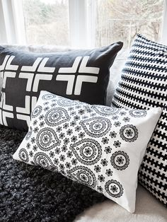 black & white +'s as a quilt