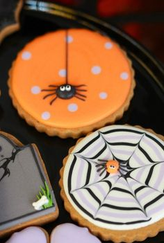 25 Not-So-Scary Halloween Desserts Halloween Cookies Cookies Cupcake, Fall Cookies, Iced Cookies, Cookies Et Biscuits, Holiday Cookies, Royal Icing Cookies, Pumpkin Cookies, Leaf Cookies, Lemon Sugar Cookies