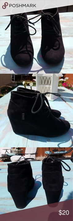Black booties Super cute black booties in great condition! Comfortable shoes easy to walk in just to small for my feet i wear a size 7 Shoes Ankle Boots & Booties