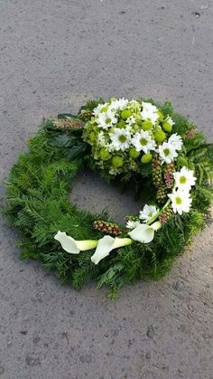 Flowers for funerals and memorials # Memorialflowers, – Trauerfloristik – Wreaths Funeral Floral Arrangements, Modern Floral Arrangements, Flower Arrangements, Grave Flowers, Funeral Flowers, Deco Floral, Arte Floral, Ikebana, Cemetery Decorations
