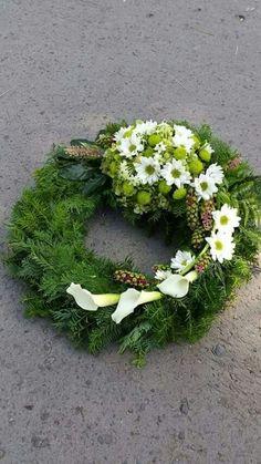 Flowers for funerals and memorials # Memorialflowers, – Trauerfloristik – Wreaths Funeral Floral Arrangements, Modern Floral Arrangements, Flower Arrangements, Grave Flowers, Funeral Flowers, Deco Floral, Arte Floral, Ikebana, Flower Art Images