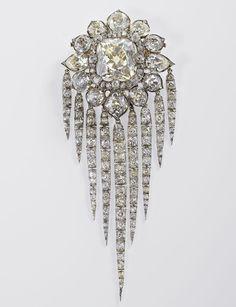 Queen VIctoria Fringe brooch