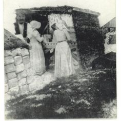 BAL MAIDENS | Cornwall: 'A bal maiden would work on what was called the dressing floor, breaking up all the rock ore the miners brought up from the mine.' ✫ღ⊰n