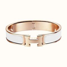 Clic H Hermes narrow enamel bracelet Rose gold plated hardware, diameter, circumference, wide Color : Biarritz blue Hermes Jewelry, Rose Jewelry, Enamel Jewelry, Sea Glass Jewelry, Fashion Jewelry, Hermes Bracelet Enamel, Bracelets Fins, Colorful Bracelets, Jewelry Bracelets