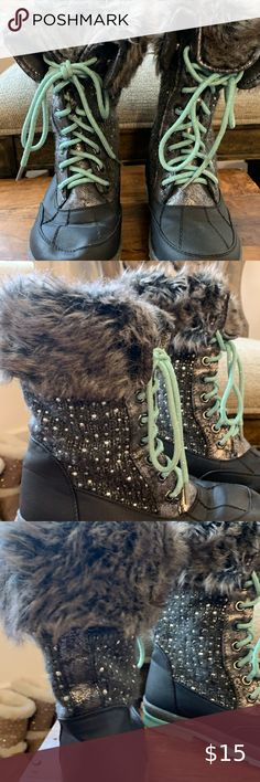Girls Size 2 Link Fabric Boots new cute