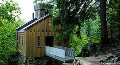 Hrádek Aichelburg Cabin, House Styles, Travel, Home Decor, Viajes, Decoration Home, Cabins, Destinations, Cottage
