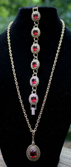 Vintage Sarah Coventry Necklace and Bracelet by RuTalCreations,  https://www.etsy.com/listing/161275420/vintage-sarah-coventry-necklace-and?