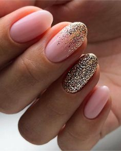 The advantage of the gel is that it allows you to enjoy your French manicure for a long time. There are four different ways to make a French manicure on gel nails. Shellac Toes, Sns Nails, Stiletto Nails, Acrylic Nails, Glitter Nails, Gel Nail, Pink Glitter, Trendy Nails, Cute Nails