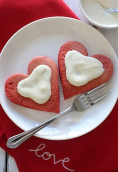 Red Velvet Pancakes with Cream Cheese Topping - Lightened-up red velvet pancakes made with a blend of white whole wheat flour and all purpose, then topped with a light cream cheese topping. #weightwatchers