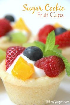 Cookie Fruit Cups Sugar Cookie Fruit Cups - A bite-sized sugar cookie cup topped with fresh fruit, perfect for parties and gatherings!Sugar Cookie Fruit Cups - A bite-sized sugar cookie cup topped with fresh fruit, perfect for parties and gatherings! Mini Desserts, Individual Desserts, Bite Size Desserts, Just Desserts, Individual Fruit Cups, Fresh Fruit Desserts, Fruit Dips, Fruit Appetizers, Bite Size Appetizers