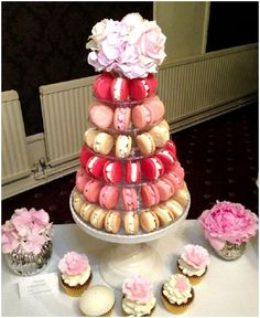 Macaron Tower - Cakes by Beth Macaroon Tower, Sleepover Snacks, Traditional Wedding Cakes, Great Gatsby Party, Party Food And Drinks, Nontraditional Wedding, Cake Servings, Mini Cakes, Macaroons