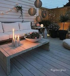 21 Small Patio To Make Your Home Look Outstanding – Futuristic Interior Designs Technology Outstanding Small Patio Backyard Fences, Backyard Landscaping, Backyard Ideas, Fence Ideas, Garden Ideas, Patio Chico, Futuristic Interior, Outdoor Living, Outdoor Decor
