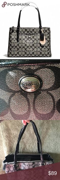 """Authentic Coach Peyton Signature Double Zip Carry Coach Peyton Signature Jordan Double zip carry all. Very spacious bag. Good condition other than the handles are cracked. 8 1/4 handle drop, 15""""(L)x11""""(H)x5""""(W) Offers are always welcome and encouraged. Coach Bags Shoulder Bags"""