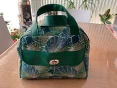 Sac à langer Boogie vert et feuilles cousu par Caroline - Patron Sacôtin