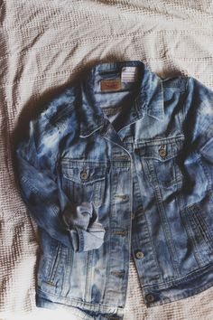 Stone-washing Denim: How To Lighten Your Jean Jacket With Bleach || The Free Spirited <--- Well, I'm not cool enough for anything else on this blog, but this tutorial is good...