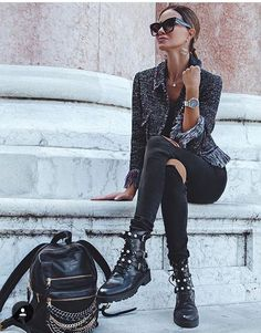 911 Likes, 8 Comments - Manhattan Fashion Styles ( on . 911 Likes, 8 Com Mode Outfits, Casual Outfits, Fashion Outfits, Womens Fashion, Fashion Trends, Fashion Styles, Fashion News, French Fashion, Look Fashion