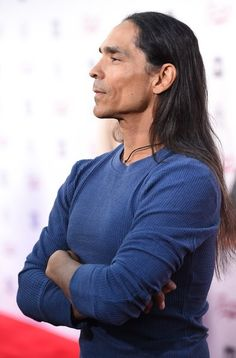 Zahn McClarnon attends a special screening of FX Networks' Fargo, April 2016 at Paramount Pictures studios in Los Angeles, California Native American Actors, Native American Images, Native American Beauty, Native American History, American Indians, Robert Taylor Longmire, Zahn Mcclarnon, Hollywood Celebrities, Beautiful Men