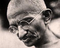 Búscame en el ciclo de la vida: 2. Carta de Mahatma Gandhi a Adolf Hitler.