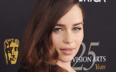 Emilia Clarke interpretaria Anastasia, em