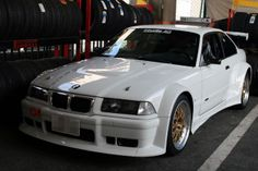 Would love to grab an E36 325iS with the M50B25 and put a widebody kit like this on it. Maybe throw a turbo on too.