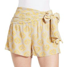 """Free People Bow Waist Shorts Size 8 NWT Sweet & Sunny Print With Retro Sash Makes These NWT Free People Shorts A Fresh Summer Boho Style! Woven All Over Subtle Print, Wrapped Panel At Waist, Self Tie Bow, Tonal Top Stitching, Hidden Side Zipper With Hook Closure, 12"""" Rise, 100% Rayon, Machine Washable Free People Shorts"""