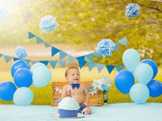 Trendy baby first birthday pictures boy smash cakes ideas Boy Birthday Pictures, 1st Birthday Photoshoot, Baby Boy 1st Birthday Party, One Year Birthday, Birthday Cake Smash, First Birthday Photos, Birthday Cupcakes, Birthday Ideas, Outdoor Cake Smash