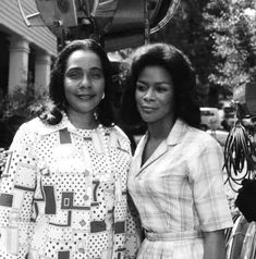 Vintage Black Glamour, Vintage Beauty, Coretta Scott King, Black History, Girl Power, Christmas Sweaters, In This Moment, People, Faces