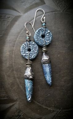 Artisan made clay wheels/discs- unknown artist Artisan made clay and pewter capped head pins by Crow Designs Czech glass sterling silver ear wires •very light weight!!! •original and earthy •100% ARTISAN HANDMADE •Yucca Bloom Original