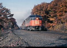 RailPictures.Net Photo: NH 0418 New York, New Haven & Hartford Railroad FA-1 at Beacon, New York by Donald Haskel (Collection)