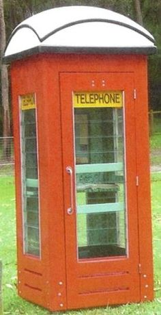 The red telephone box !!!