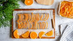 Kandírozott narancshéj házilag Cookies, Desserts, Food, Crack Crackers, Tailgate Desserts, Deserts, Biscuits, Essen, Postres