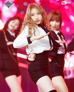 IZ*ONE Lee Chaeyeon - MCountdown. La Vie En Rose 1º win!! #izone #leechaeyeon #produce48 #lavieenrose South Korean Girls, Korean Girl Groups, Yuri, Honda, Japanese Girl Group, Kim Min, My One And Only, Kpop Outfits, First Girl