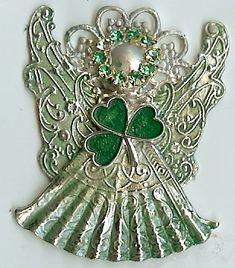 I love this pin! Irish and Angel all together. St Paddys Day, St Patricks Day, Irish Christmas, Christmas Tree, Irish Eyes Are Smiling, Angel Images, Irish Roots, Irish Girls, Irish Jewelry