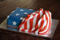American flag sheet cake birthday american flag cake, military cake и Army Cake, Military Cake, Military Cupcakes, Fourth Of July Cakes, 4th Of July Desserts, Patriotic Desserts, American Flag Cake, Oreo, July Birthday