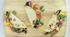 Vegetarische taco's zitten vol met verse groenten. Dit maakt het bij uitstek een bijzonder gezond comfort food. Als je de linze op het allerlaatste moment