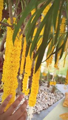 Ganpati Decoration At Home, Diwali Decorations At Home, Wedding Decorations, Wedding Ideas, Quirky Wedding, Wedding Looks, Marigold Wedding, Janmashtami Decoration, Indian Wedding Invitation Cards