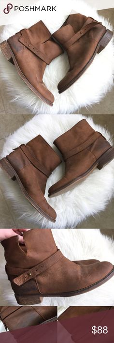 MADEWELL ❤️ DISTRESSED LEATHER ANKLE BOOTS, SIZE 9 Super cute!  Preowned and distressed!  Item as pictured. Some general marks/creasing, etc.  These appear to be leather.  Heels have some wear to the outside of them.  Size 9 ankle booties! ❤️ Madewell Shoes Ankle Boots & Booties