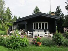 La Maison Boheme: Black Cottage, White Trim