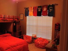 17 Inspirational Ideas For Decorating Basketball Themed Kids Room Boys Basketball Room, Basketball Hoop, Basketball Cookies, Softball Jerseys, Basketball Plays, Basketball Pictures, Bedroom Themes, Bedroom Decor, Bedroom Ideas