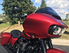 Sometimes you just need a closer look! Harley Davidson Road Glide, Harley Davidson Street, Harley Davidson Sportster, Harley Davidson Motorcycles, Bike Pic, Bike Photo, Ironhead Sportster, Blue Motorcycle, Road Glide Special