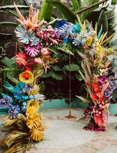 Married under an LA rainbow! Green Wedding Shoes shares this RAD wedding with wild, whimsical details that are radiating off of this rainbow floral arch in Downtown LA's Green Room venue - with tropical florals + ocean-inspired decor. Floral Wedding, Wedding Colors, Wedding Flowers, Bouquet Wedding, Purple Wedding, Tropical Wedding Decor, Tropical Decor, Bridal Bouquets, Floral Backdrop