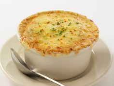 5 Onion Soup- Julie's recipe for SOUPer Yummy (Recipe Club: Year Volume Onion Soup Recipes, Best Soup Recipes, Fall Recipes, Wine Recipes, Gourmet Recipes, Favorite Recipes, Copycat Recipes, Yummy Recipes, Baked Onions