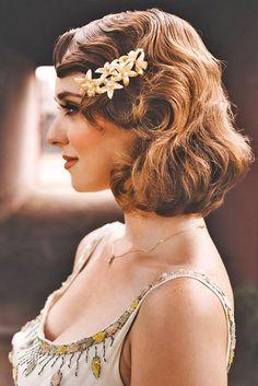 Utterly Gorgeous Vintage Wedding Hairstyles ❤ See more: http://www.weddingforward.com/vintage-wedding-hairstyles/ #weddings
